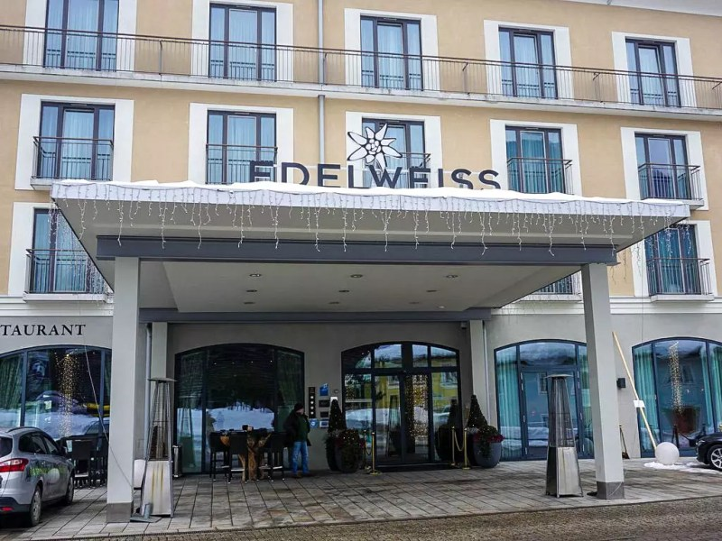 Eingang Hotel Edelweiss Berchtesgaden