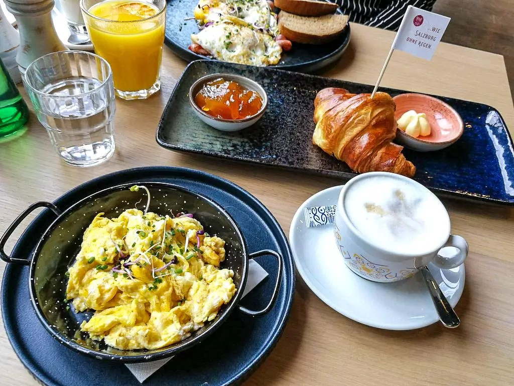 Frühstück in Salzburg; Café Bistro Pur:isst
