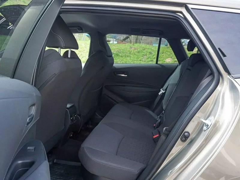 Rückbank im Toyota Corolla