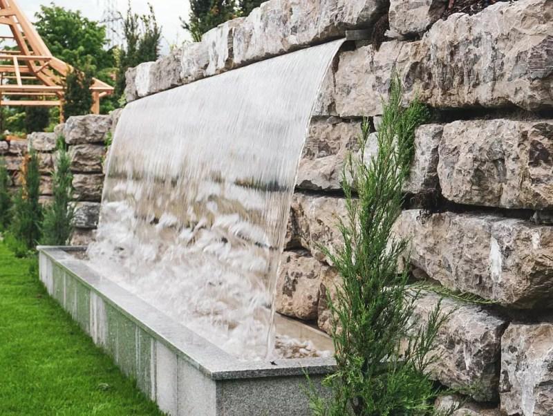 Wasserfall Wellnessgarten Laschensky