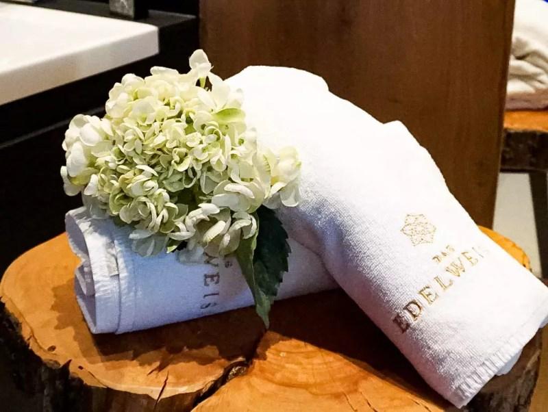 Handtuch mit Hortensien