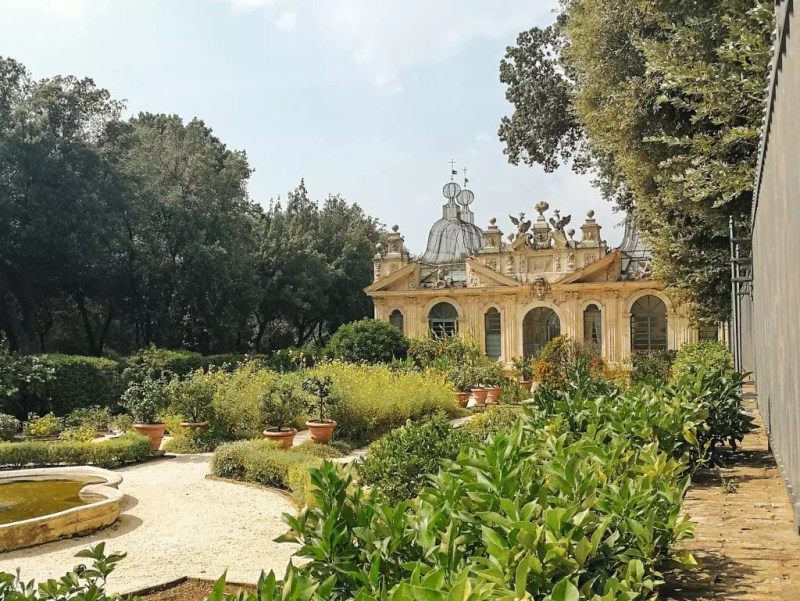 Garten bei der Galleria Borghese