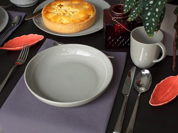 porseleinen diep bord grijsbruin