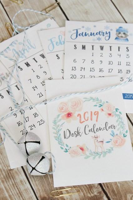 Free printable 2019 Desk calendar. Beautiful watercolor design!