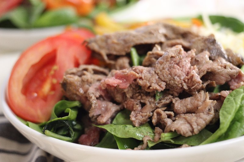 easy steak fajita salad
