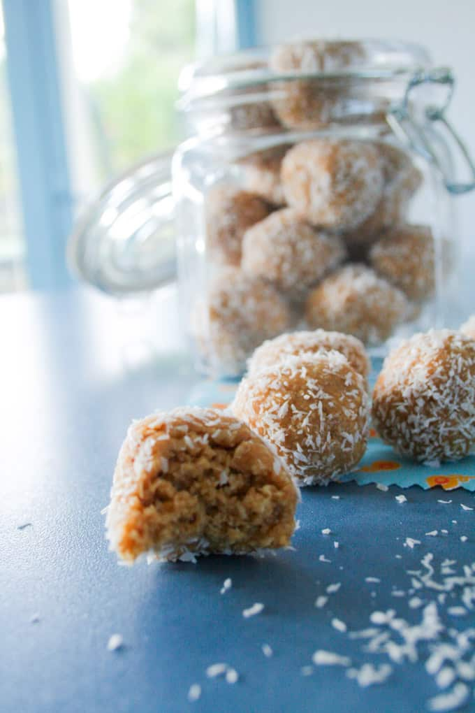 Clean Eating Nutty Oat Bites-12