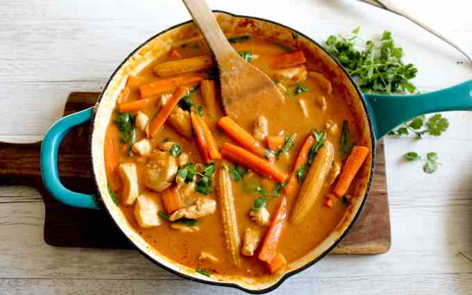 Clean Eating with Kids | Red Thai Chicken Curry