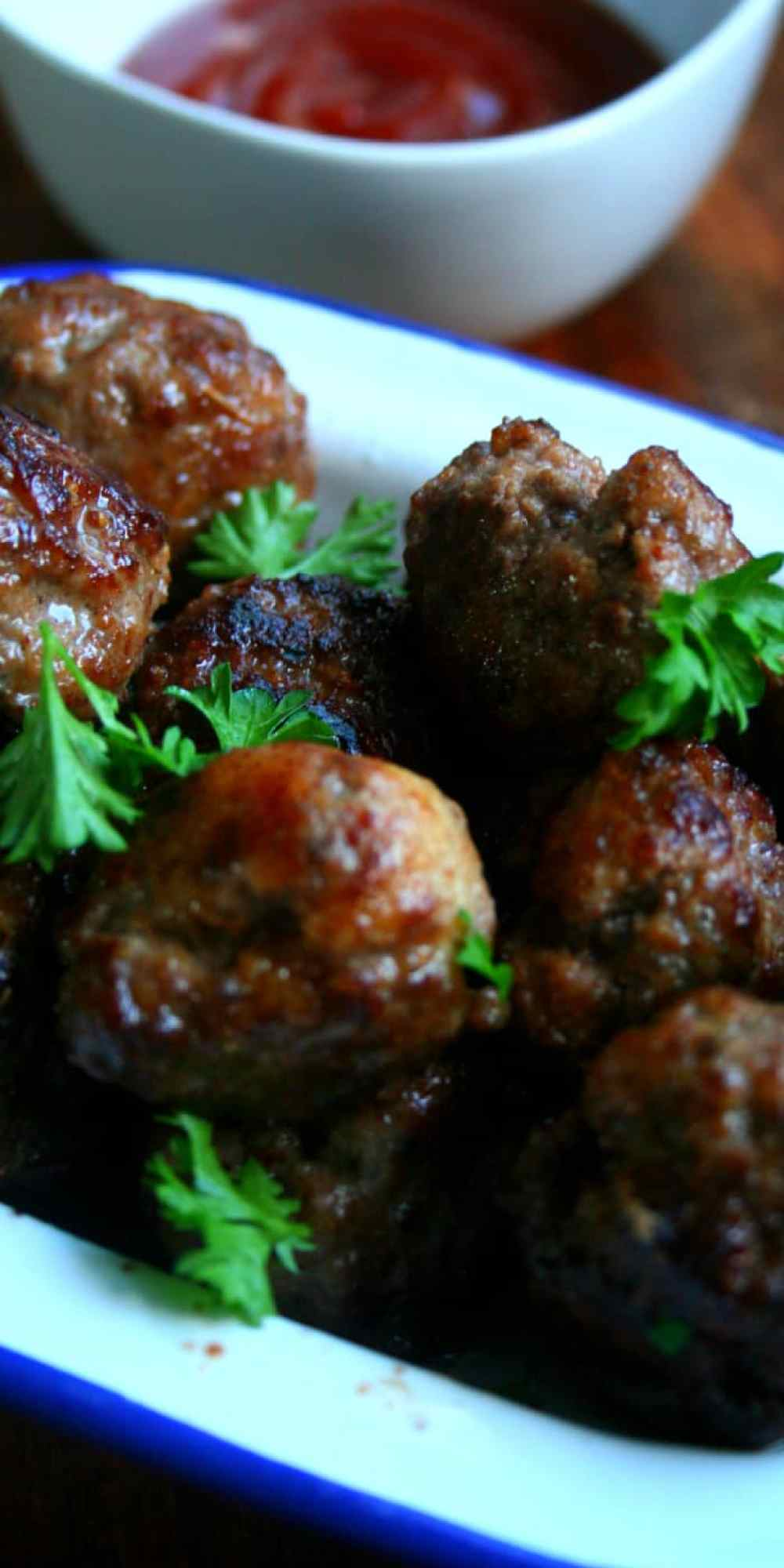 These Clean Eating mini meatballs are Amazing! Perfect for entertaining, lunch boxes or dinner!!!