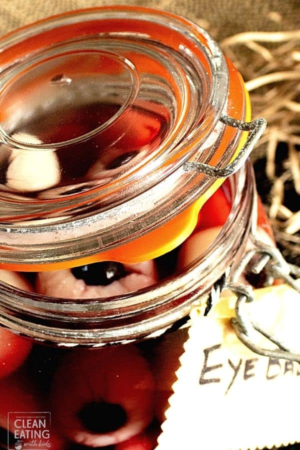 Healthy Halloween Snacks - fruit eyeballs