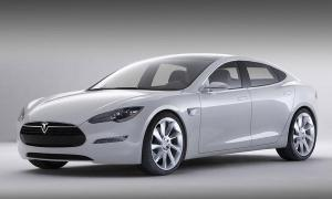 2013-Tesla-Model-S[1]