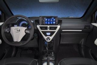 2013 iQ EV13 Behind Wheel