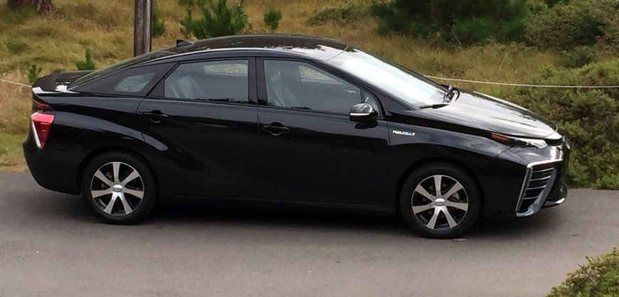 2016,Toyota Mirai,fuel cell, hydrogen,zero emission,electric car