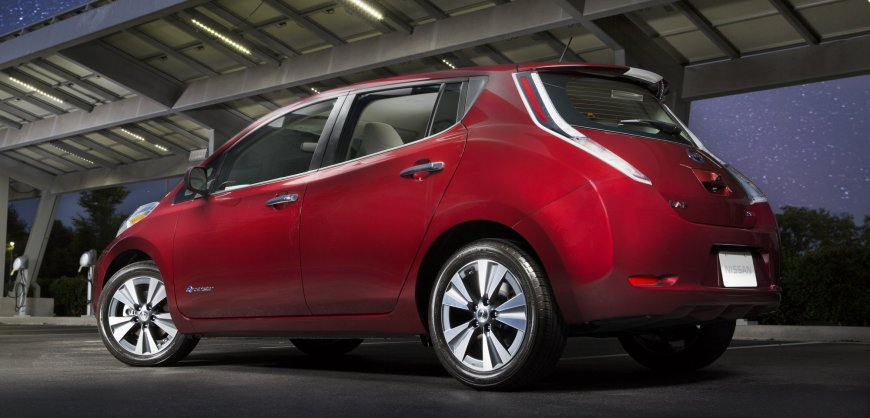 2016,Nissan,Leaf,electric car,bigger battery