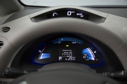 2016 Nissan,Leaf,infotainment,display