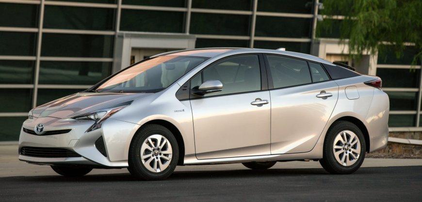 2016,Toyota Prius,mpg,fuel economy,handling