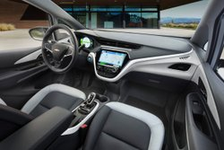 2017 Chevrolet Bolt,Chevy,EV,interior,infotainment