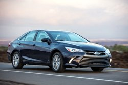 2016 Toyota, CAMRY HYBRID,mpg,road test