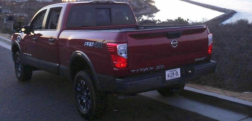 road test 2016 nissan titan xd pro 4x clean fleet report. Black Bedroom Furniture Sets. Home Design Ideas