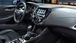 2017-chevrolet-cruze-compact-car-mo-design-980x551-01