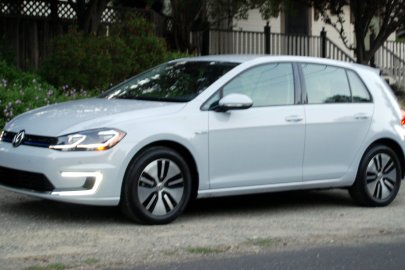 2017 Volkswagen e-Golf, VW