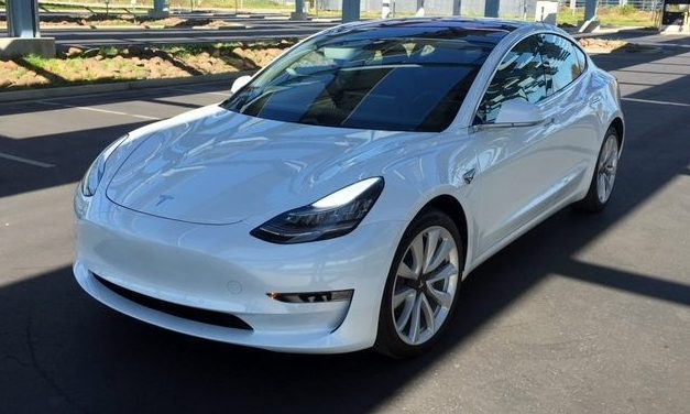 Flash Drive: Tesla Model 3 Long Range