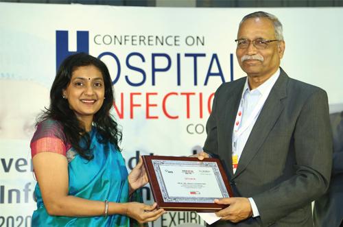 LtoR: Renu Ramakrishnan, Virtual Info System Pvt Ltd and Prof. Dr Abhay Chowdhary, Professor & Head of Microbiology, DY Patil University, School of Medicine, Hospital & Research Center