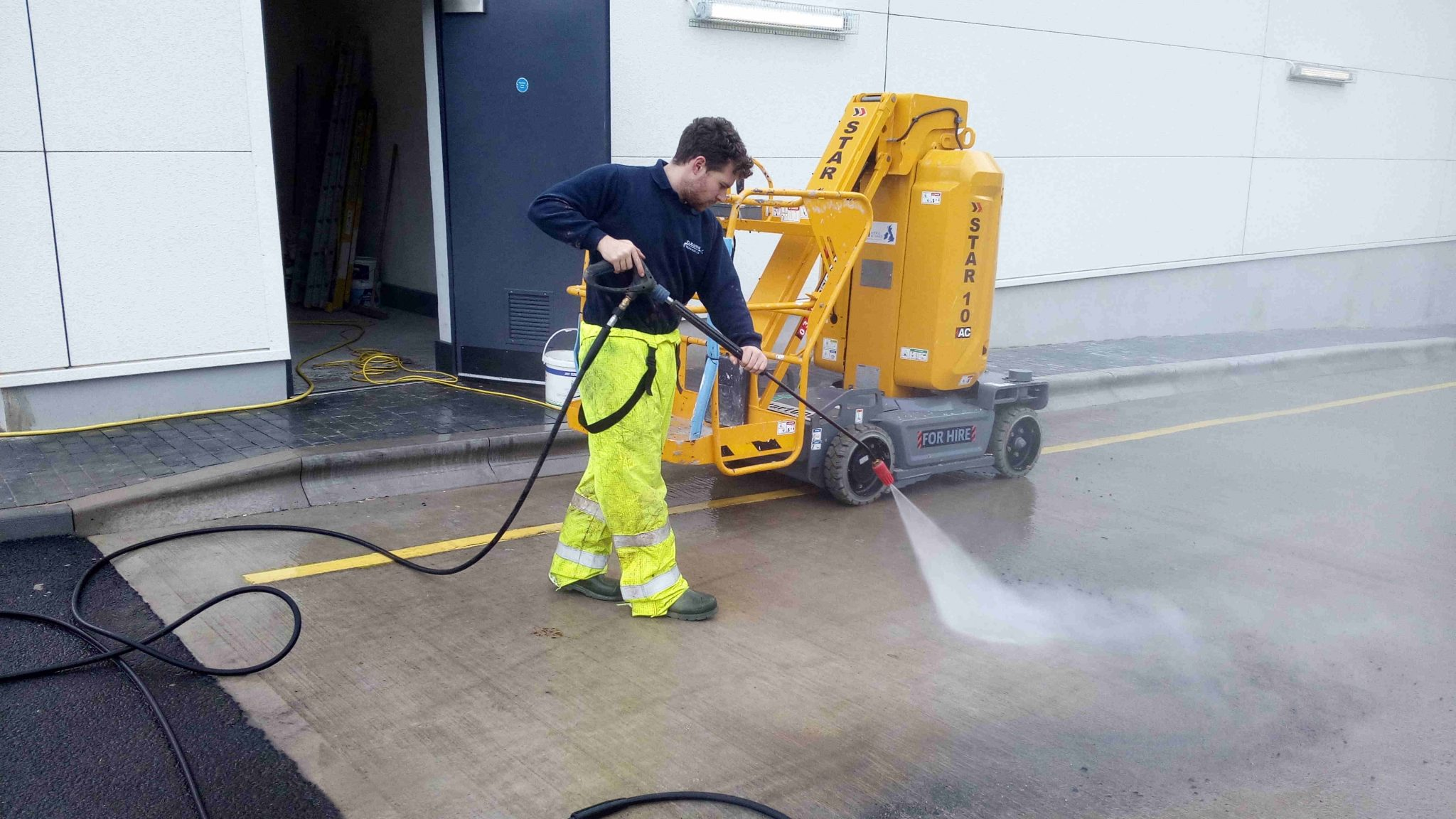 Image of jet washing service merseyside www.cleaning-service.uk.com