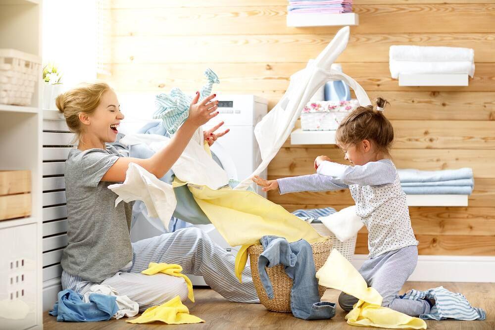đặt giấy làm thơm quần áo vào tủ đồ