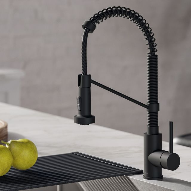 sink-faucet-with-sprayer-configuration