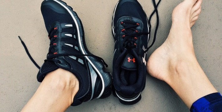 sports style shoes for men