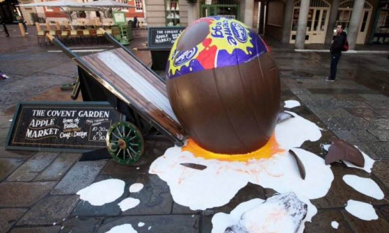 Guerrilla marketing campagne gebroken Cabury creme ei