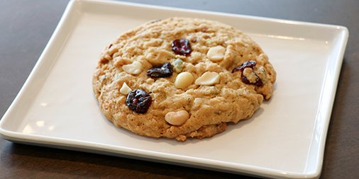 Vegan Macadamia Oat Cookie