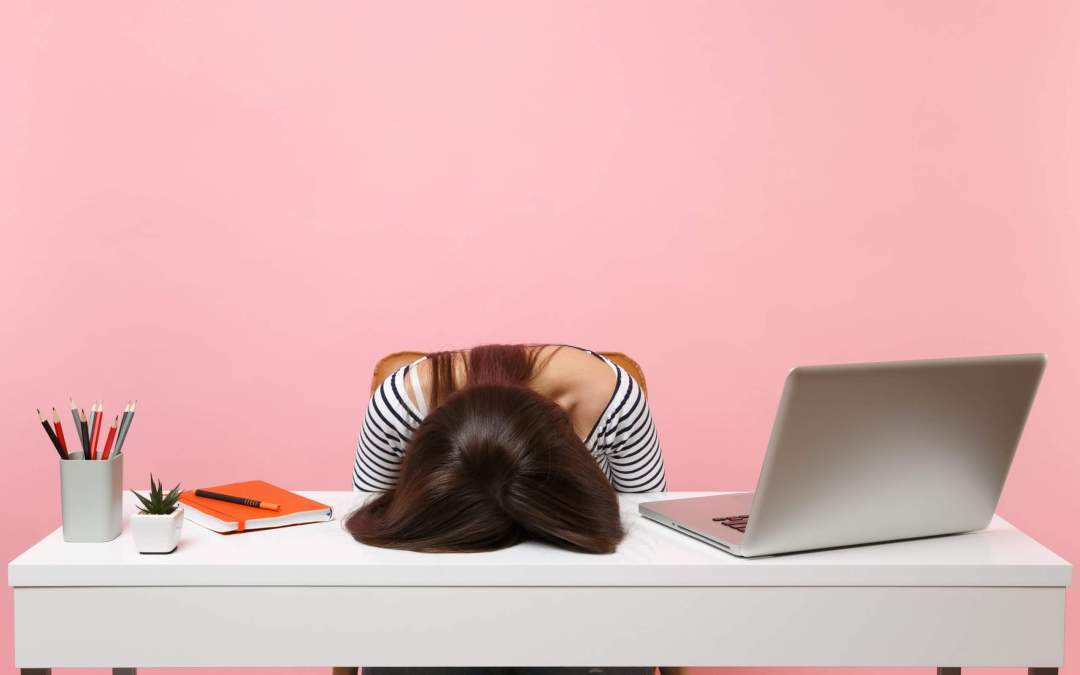 Are you feeling the affects of the Afternoon Slump? Here's four ways to fix the post lunch lull