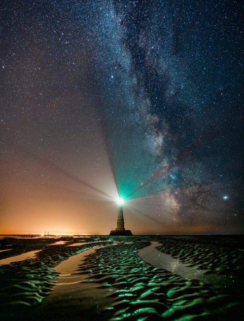 Le phare de Cordouan sous la voie lactée