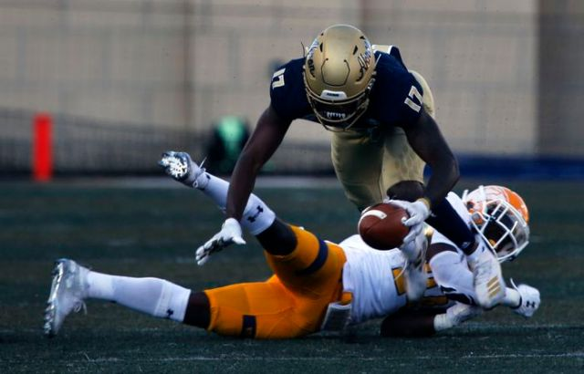 Kent State trounces Akron in MAC football, 26-3 - cleveland.com