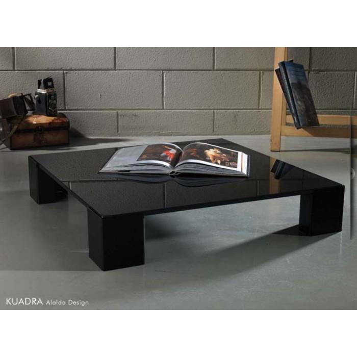 I tavolini da salotto sono per lo più dei tavolini piccoli e piani, i quali s'inseriscono perfettamente all'interno dell'arredamento di un salotto. Tavolino Salotto Design Nero Kuadra