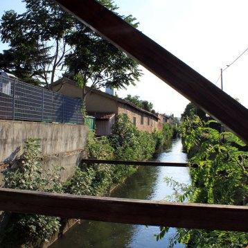 古い運河。かつてボローニャは絹の交易で栄えたという