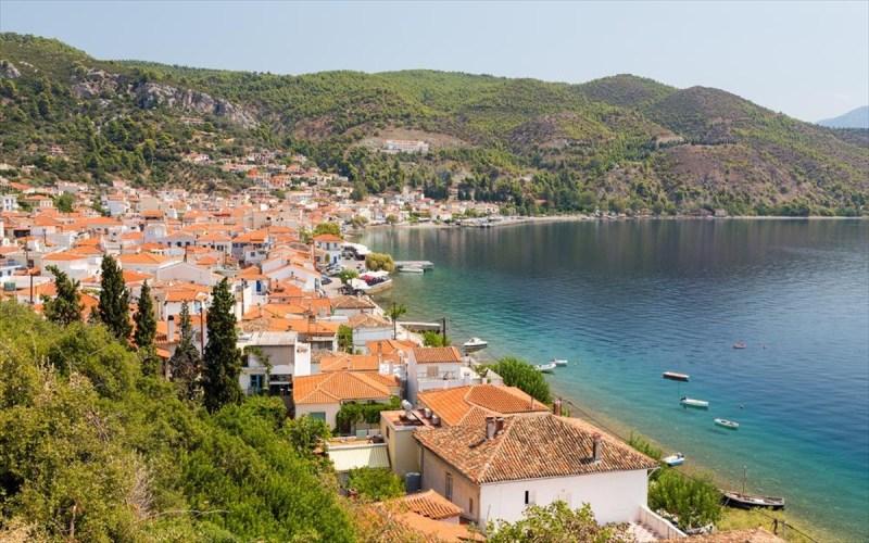 Τέσσερα όμορφα χωριά για απόδραση στην Εύβοια | clickatlife