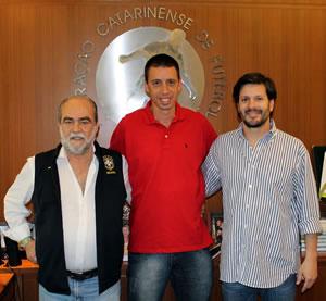 Em 2013, Fernando Gil comandou a seleção catarinense. Créditos: Assessoria de Imprensa - FCF
