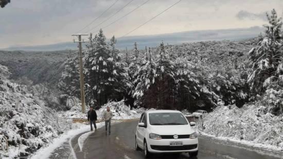 (Foto: neve em julho/2013 em Lontras/SC. Crédito: Rose Pereira)