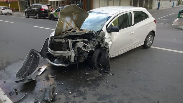acidente av brasil