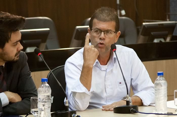 Zé Ferreira depõe à CPI
