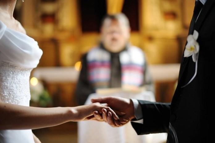 casamento noivos altar