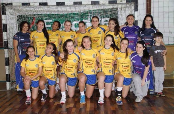 Handebol feminino de itajai participa de Copa SC