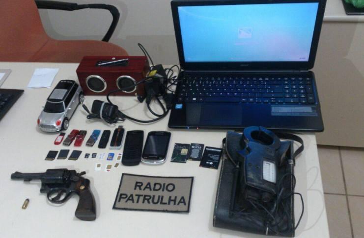 arma e objetos furtados