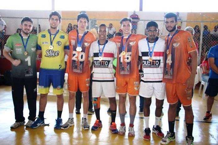 Equipe de BC é bicampeã do Brasileiro Júnior Masculino de Handebol