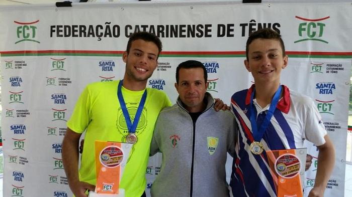 Tenistas de Itajaí