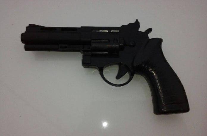 replica de revolver