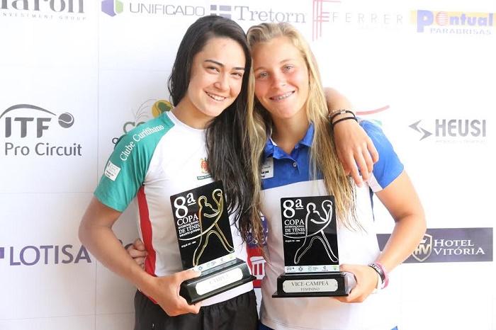 Vitória Okuyama e Marina Figueiredo