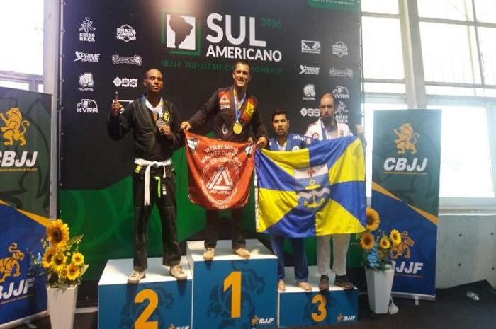 Quatro atletas catarinenses conquistam medalhas no Sul Americano de Jiu Jitsu
